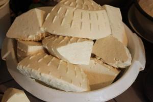 syr náš každodenný... o kozom syre len niektorí vedia, že je jediný zo syrov, ktorí môžu jesť aj alergici, ktorí iné syry nemôžu